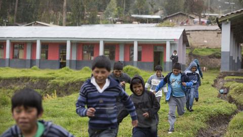Piden continuar con inversión en Educación hasta llegar al 6% del PBI