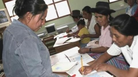 Amplían a 30 horas la jornada laboral de profesores de secundaria (Hugo Diaz)