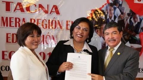 Tacna: Reconocen a docentes que obtuvieron los más altos puntajes a nivel nacional en ECE