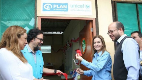 """Piura: Minedu y Unicef inauguran """"Escuelas Cercanas"""" para damnificados"""