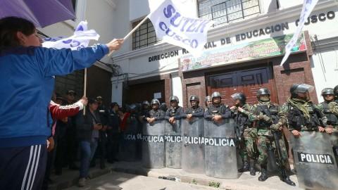 Huelga de maestros continúa en Cusco y desconocen propuesta hecha por el Gobierno