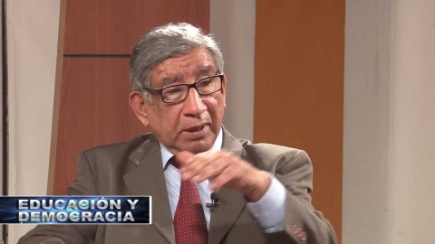 Levantar la huelga y también al magisterio y a la escuela pública, un artículo de Carlos Malpica