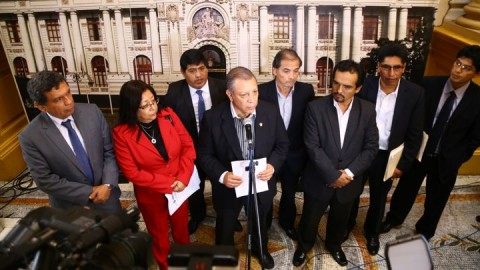 Bancada del Frente Amplio presentó moción de censura a ministra Martens