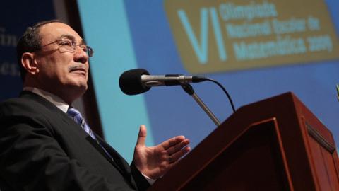 Primeras medidas del ministro Vexler, un artículo de Hugo Díaz