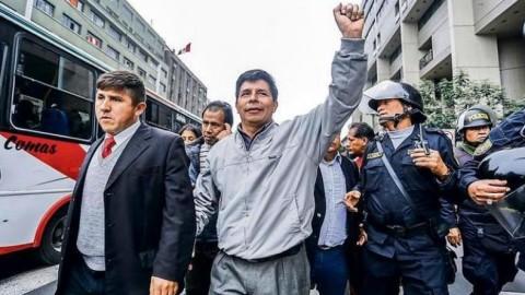 Maestros siguen en huelga indefinida y alistan nuevas medidas de protesta