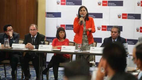 Ministra Flor Pablo anunció Compromiso Nacional por los Aprendizajes