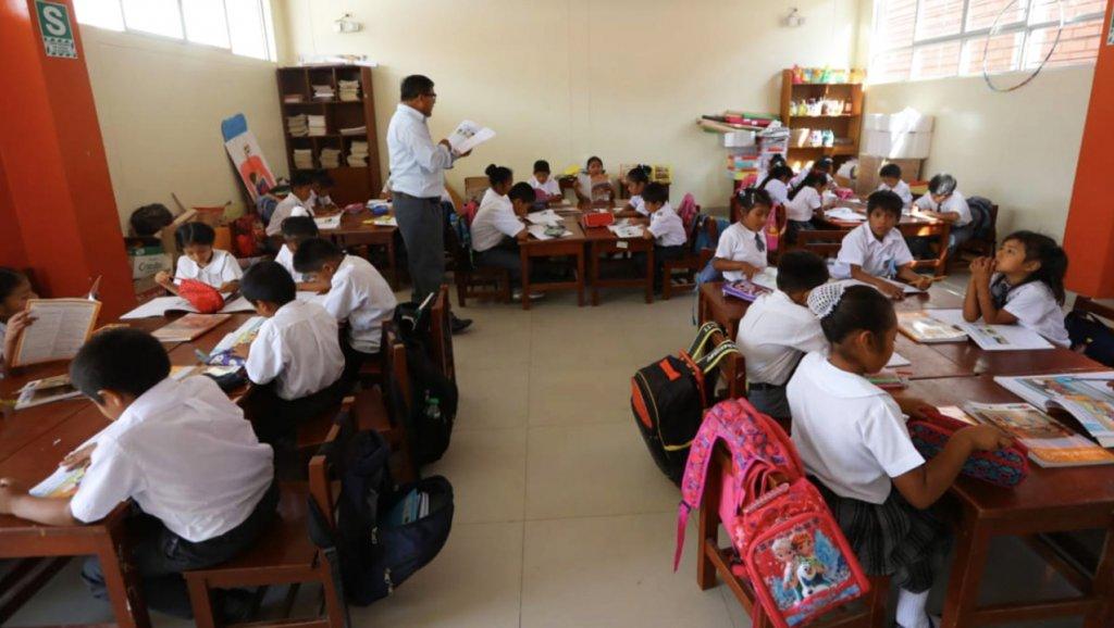 escuela-peruana-agencia-andina